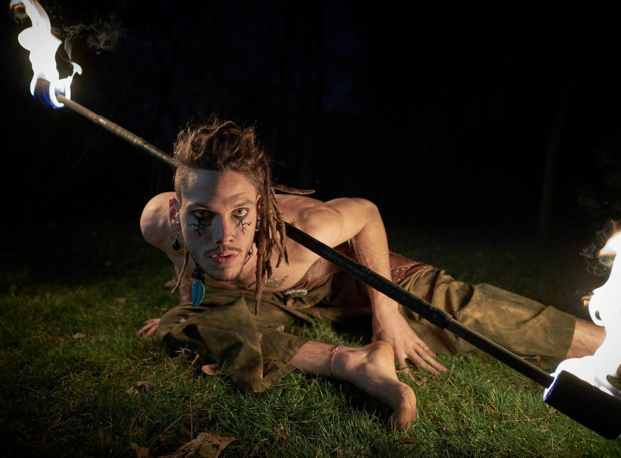 Nicola Colleoni Performarte – spettacolo di fuoco – medievale – bastone