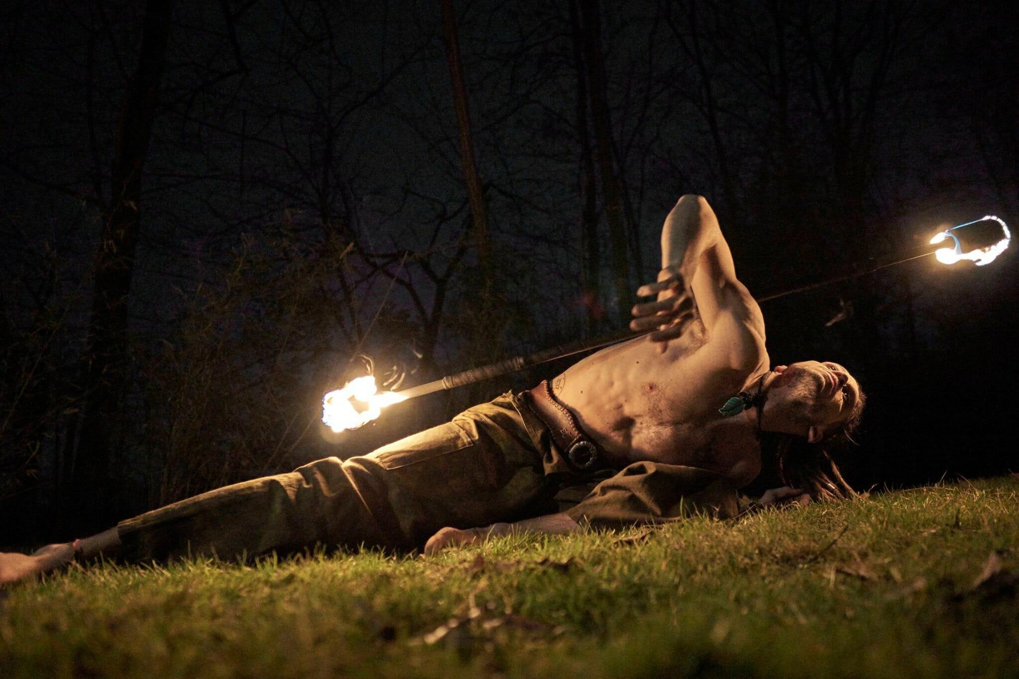Nicola Colleoni Performarte – spettacolo di fuoco – performer – bastone – contact staff