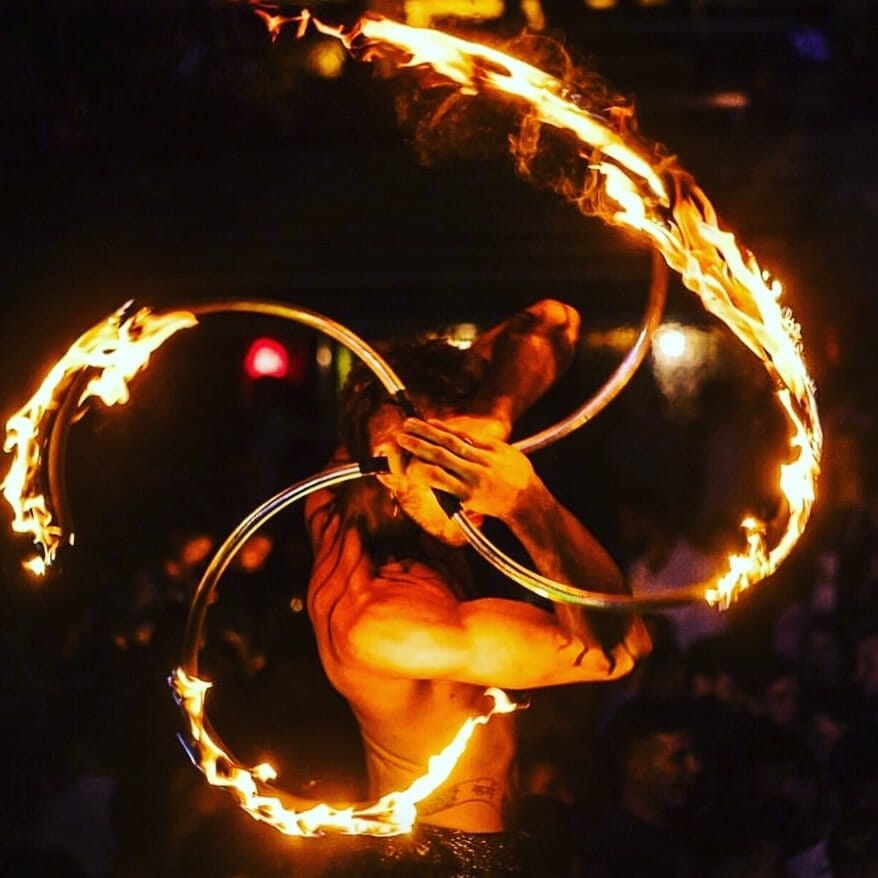 Icona Arte e Intrattenimento - performance per Elementz Art Entertainment