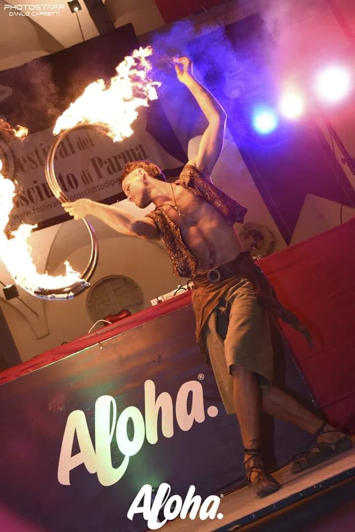 Nicola Colleoni Performarte – festival – langhirano – performance fuoco