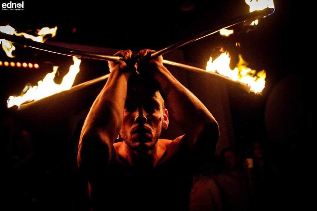 Nicola Colleoni Performarte – spettacolo di fuoco – Elementz Art entertainment