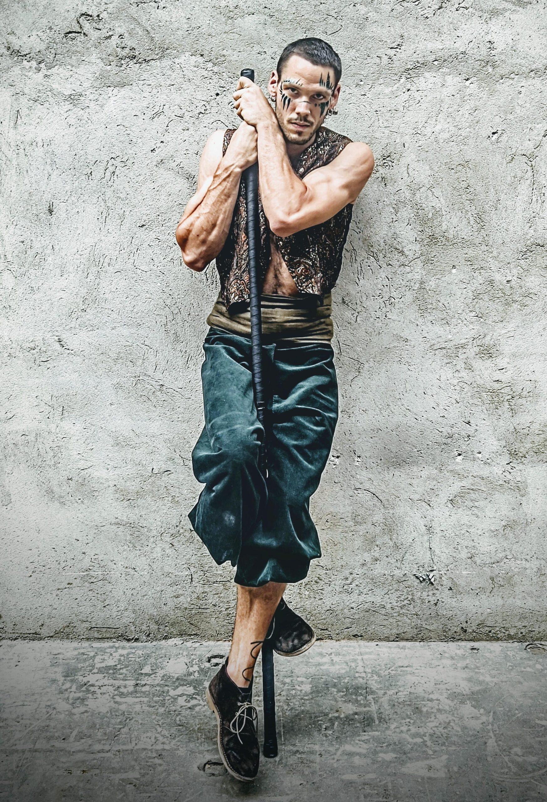 Nicola Colleoni Performarte – The Sanctuary Eco Reatreat Milano – shooting – Acro Staff Performer